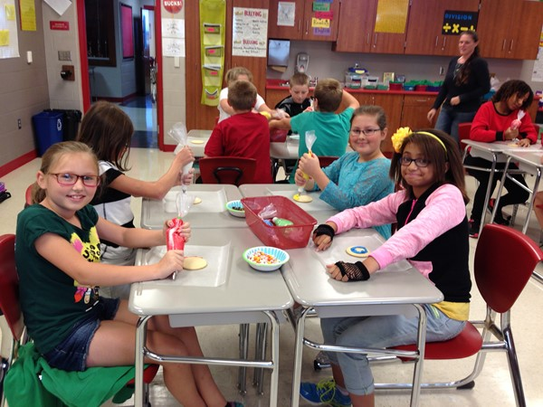 PTO Artist Day - Cookie Decorating!